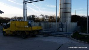 image of a security fence at Avonmouth erected for Wessex Water