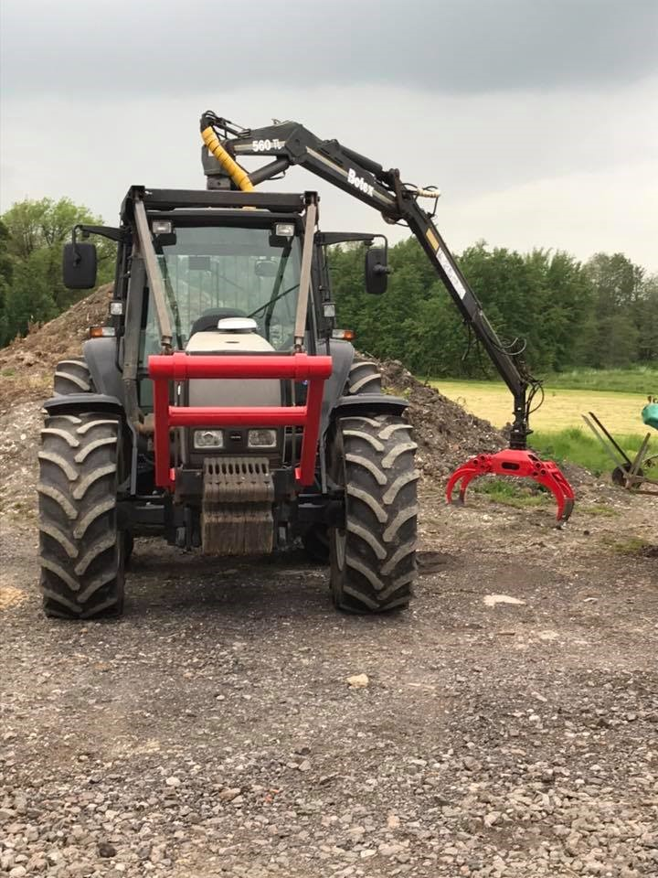 Valtra Tractor with Botex Crane